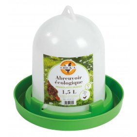 Abreuvoirs écologiques vert et blanc pour volailles